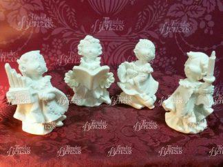 Cuatro Monaguillos de marmolina