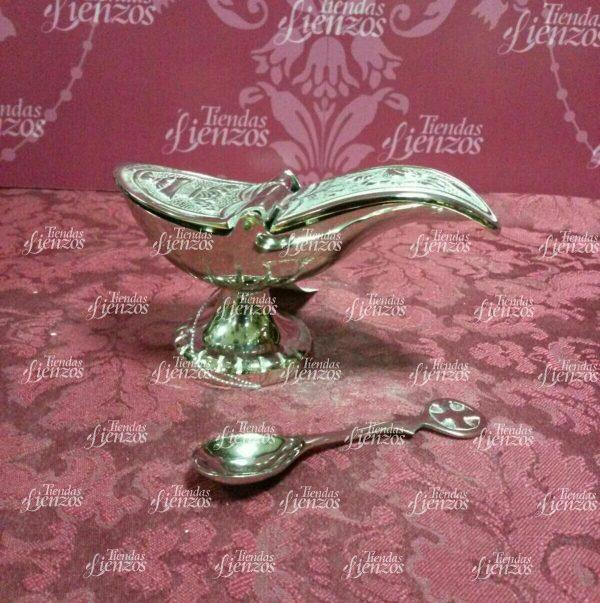 Gabeta de metal color plata con Cucharada.